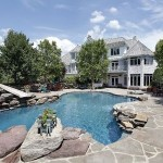 Understanding the Advantages of a Saltwater Swimming Pool